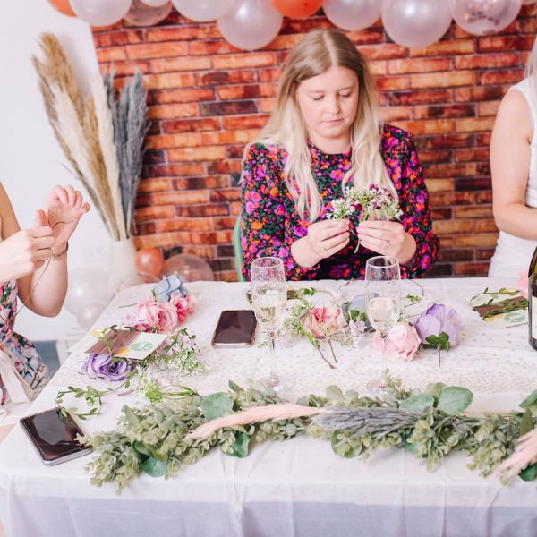 hen party flower crown making kits